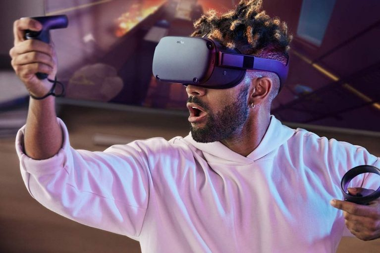 Oculus Quest All-in-one VR Gaming Headset – 64GB 1