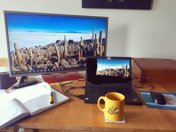 A 2nd monitor